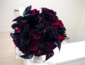 Black Flowers - Wedding Bouquet - Roses & Calla Lilies
