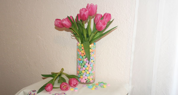 Valentines Day Flower & Candy Arrangement